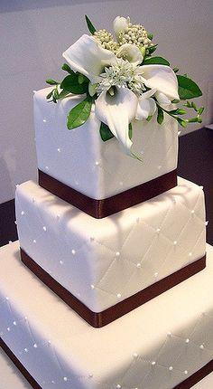 Quilted Fondant Square 3 tiered Cake | Square tiers with fon… | Flickr