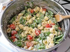 Spinach, ricotta, cherry tomato, garlic + pasta shells. So easy & yummy! #dinner #recipes #easy