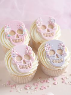 How To: Bejewelled Skull Cupcakes For Halloween
