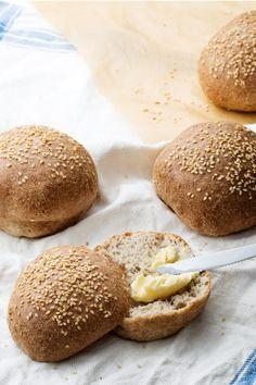 The Low-Carb Bread - almond flour, psyllium husk powder, apple cider vinegar, egg whites, sesame seeds, baking powder, salt #paleo #grainfree #glutenfree