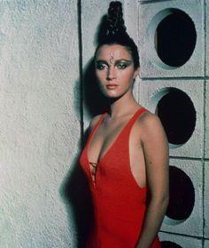 Jane Seymour Female Actresses, British Actresses, Best Bond Girls, James Bond Women, Bond Series, James Bond Movies, Jane Seymour, Thing 1, Celebs