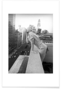 Marilyn Monroe in New York, 1955 - Vintage Photography Archive - Premium Poster