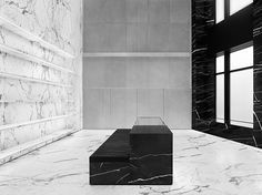 Saint Laurent Store in Chicago New Design Close-up. Saint Laurent Paris, Saint Laurent Store, Store Concept, Marble Room, Paris Store, Retail Concepts, Black And White Marble, Retail Merchandising, Ppr