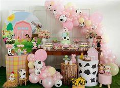 Farm Animal Party, Farm Animal Birthday, Farm Birthday, Farm Party, 2 Year Old Birthday Party Girl, 1st Birthday Party For Girls, Cowgirl Birthday, Cute Birthday Pictures, First Birthdays