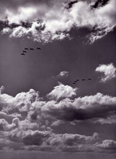 letců se Spitfiry IX do Prahy. Pilots, Ww2, Air Force, Badge, Military, Clouds, Outdoor, Pictures, Airplanes