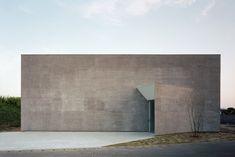 KAWABE NO SUMIKA (Riverbank House) | Designer: Atsushi and Mayumi Kawamoto | Location: Japan | Image Credits: Kai Nakamura
