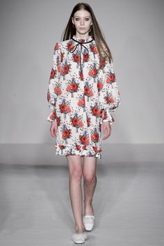 Mother of Pearl Fall 2016 Ready-to-Wear Collection Photos - Vogue