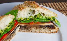 Σάντουιτς με ρόκα, μανιτάρια και γαλοπούλα