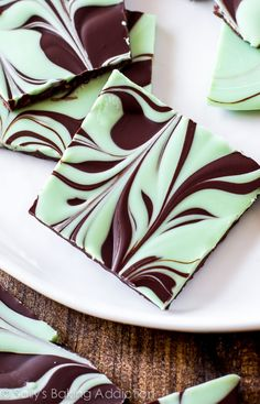 Easy Mint Chocolate Swirl Bark on sallysbakingaddiction.com-- one of the easiest treats you'll make!