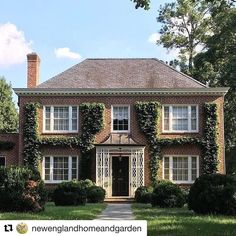 Thanks for posting @newenglandhomeandgarden and @limestoneboxwoods  This was a very special renovation for Spitzmiller & Norris!  #spitzmillerandnorris #atlanta #morningside @frederickspitzmiller @robertdnorris #Repost @newenglandhomeandgarden (@get_repost) ・・・ Fall thoughts: ivy clad buildings, wood fires, tartan blankets. Time to think about crisp days ahead. Via @limestoneboxwoods. #newenglandhomeandgarden #newengland #housebeautiful #myhousebeautiful #traditionalhome #mybhg #bhg #bhgh...