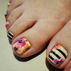 with ・・・ フットもPansyで準備万端(o^-')b ! Pretty Toe Nails, Cute Toe Nails, Fancy Nails, Gorgeous Nails, Love Nails, Trendy Nails, My Nails, Toe Nail Color, Toe Nail Art