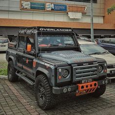 """1,736 Likes, 4 Comments - @landroverphotoalbum on Instagram: """"A fairly custom Defender 110 Crew Cab By @faeezikhwan #Landrover #Defender110crewcab…"""""""
