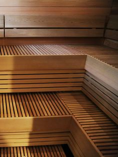 Find your inspiration from those beautiful sauna benches. Modern Saunas, Sauna Steam Room, Sauna Design, Spa Rooms, Steam Showers, Benches, Room Ideas, Inspiration, Beautiful