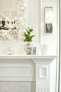 Simple, classic and glam mantle decor.