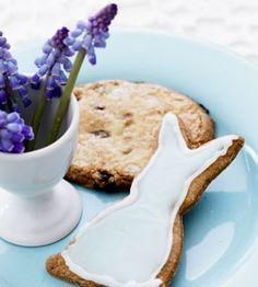 Krentenkoeken (ingrediënten: boter, suiker, ei, bloem, zout, kaneel, koekkruiden, krenten en melk) (@ Ariadne at Home)