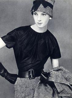 Christian Dior - Yves Saint-Laurent Octobre 1959, Black Blouse, Photo Leombruno-Bodi