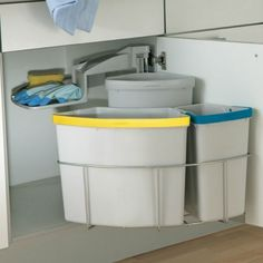 Oeko Centre Swing Out Bin For Kitchen Units. 1 x 18 Litres + 1 x 12 1 x 9 Litre bins. • Total capacity: 39 litres. Minimum 500mm Unit - 3 Compartments. A swing out kitchen recycling waste bin that can be mounted left or right handed.