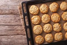 Looking for some easy cookie recipes for kids? Then MomJunction brings a list of best and delicious cookie recipes that your kids would love. Coco Cookies, Yummy Cookies, Cookie Recipes For Kids, Delicious Cookie Recipes, Anzac Biscuits, Cookies Et Biscuits, Courge Spaghetti, Almond Breeze, Breakfast
