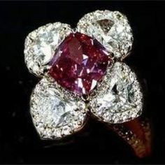 Duchess of Windsor, she had exquisite taste! Ruby and diamond floral ring, hallmark unknown~