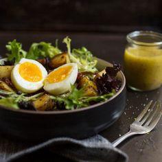 Avec des oeufs, c'est toujours mieux! - K pour Katrine Ramen, Salads, Dining, Ethnic Recipes, Food, Iceberg, Nutrition, Kitchens, Winter Meals