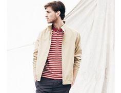 Με την παράδοση των 50 χρόνων του το brand Henri Lloyd επαναφέρει ένα από τα κλασικά του δημιουργήματα, το σακάκι Olmes Carretti. Η νέα σειρά συνδυάζει ναυτικά μοτίβα με μοντέρνα σχέδια με μοντέλο τον Vincent