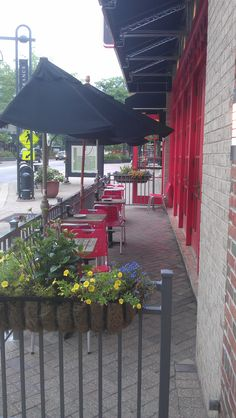 Edina, Minnesota sidewalk cafe