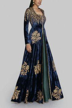 Designer Exclusive Collection of Designer Dresses, Designer Gowns, Bridal Dresses. Pakistani Dresses, Indian Dresses, Bridal Outfits, Bridal Dresses, Dress Wedding, Winter Dress Outfits, Dress Winter, Indian Attire, Indian Designer Wear