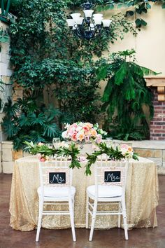 mr and mrs sweetheart table ideas