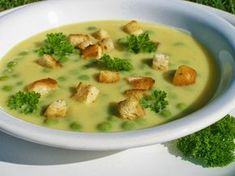 Polévka z cu kety, sýru a hrášku Czech Recipes, Raw Food Recipes, Soup Recipes, Cooking Recipes, Healthy Recipes, Ethnic Recipes, Healthy And Unhealthy Food, Healthy Eating, Vegetarian Soup