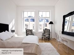 Get inspired by Scandinavian bedroom design ideas. Glam Bedroom, Scandinavian Bedroom, Modern Bedroom, Scandinavian Design, White Bedroom, Master Bedroom, Mirrored Bedroom Furniture Sets, Best Interior Design Blogs, Black Headboard