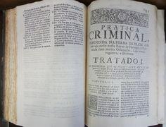 FERREIRA, Manoel Lopes. Pratica criminal : tomo 1. Lisboa Occidental: Carlos Esteves Mariz, 1741. Detalhe: interior da obra