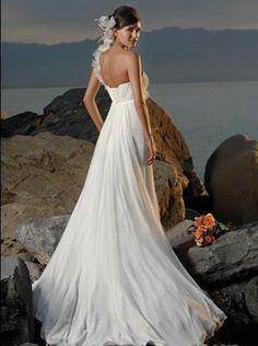 Suchen Sie Brautkleider für den Strand? Wir verkaufen schönste Stand- Brautkleider in allen Stilen, hier werden Sie Ihre traumhafte Brautkleider Strand  finden.