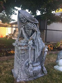 Halloween cemetery tombstone inspiration (Witch Creek Cemetery haunt)
