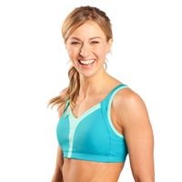 """""""The Vero is definitely a winner."""" BICYCLING magazine raves about the Moving Comfort's Vero bra, which they put to the test both running and cycling. Bicycling Magazine, Bahama Blue, B Cup, Crop Top Bra, Women's Sports Bras, Running Women, Workout Tops, Clothes For Women, Lady"""