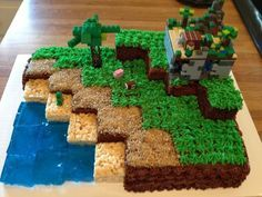 Planning a Minecraft party? Here are ideas for creeper invitations, TNT treats, pin the tail on the minecraft pig games and more! Mine Craft Party, Bolo Mine Craft, Mind Craft Party Ideas, Mine Craft Cake, Minecraft Torte, Minecraft Birthday Cake, Lego Minecraft, Minecraft Houses, Minecraft Bedroom