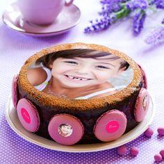 Sublimez votre gâteau avec cecoffret personnalisableet comestiblecomprenant : - 1 décoration ronde ou carré avec votre photo, - 8 stickers (photo + texte), - 1 tube de décors sucrés à parsemer. Photos, Stickers, Casket, Sugar, Pictures, Sticker
