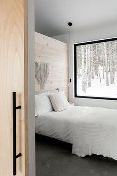 Cabin Design, Cottage Design, Modern House Design, Scandinavian Cabin, Cosy Room, Cabin Interiors, Home Bedroom, Home Deco, Home Interior Design