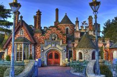 Toad Hall - Disneyland Paris