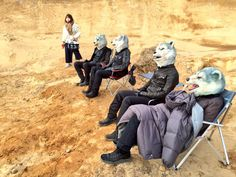 Waiting outside on the first day. (「゚Д゚)「 GOW GOW