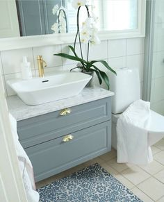 Fashion and Lifestyle Bathroom Ideas, Countertops, Interior Design, Lifestyle, Country, Girls, Home, Fashion, Bath