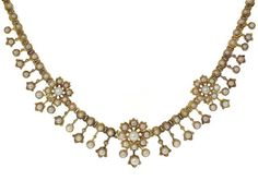Antique Victorian Pearl Necklace in 18K Yellow Gold Circa 1880