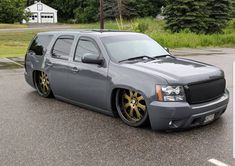 I honestly fancy this color choice for this car Bagged Trucks, Lowered Trucks, Mini Trucks, Gm Trucks, Cool Trucks, Chevrolet Tahoe, Chevrolet Trucks, Chevy Silverado Single Cab, Muscle Truck