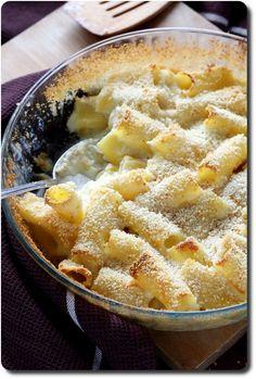 Gratin de pâtes aux 3 fromages à table