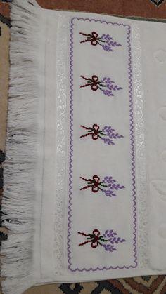 Cross Stitch Borders, Cross Stitch Rose, Cross Stitch Patterns, Rock Crafts, Diy And Crafts, Hand Embroidery Design Patterns, Baby Knitting Patterns, Pixel Art, Needlepoint