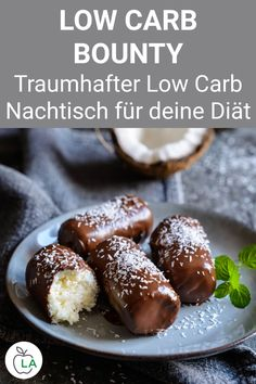 These low carb bounty bars are made without protein powder and are a sugar-free candy for losing weight. Here is the recipe for the simple low carb dessert. Healthy Sweets, Healthy Dinner Recipes, Healthy Snacks, Low Carb Desserts, Low Carb Recipes, Law Carb, Sugar Free Candy, Good Food, Yummy Food