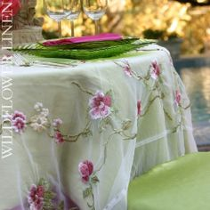 This sheer fuchsia toppwe just pulls these colors together!  The clear green chargers and fuchsia napkins set it off.  Great for wedding, springtime garden party, tea, Easter Brunch, etc.