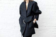 modern legacy, fashion blog, JACQUEMUS designer navy coat, oversized, buckle detail, street style, edgy, details (1 of 1)
