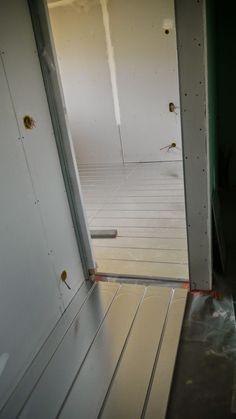 Pose de fermacell sur plancher chauffant sec mince - Plancher chauffant sec ...