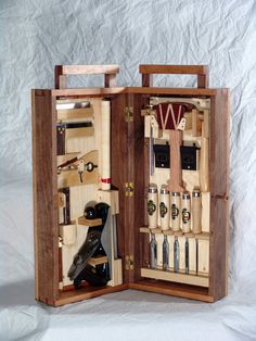 Dovetail Toolbox - by Reddial @ LumberJocks.com ~ woodworking community