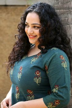 Nithya Menen Hot HD Photos & Wallpapers for mobile Nithya Menen, Bollywood Actress Hot Photos, Hollywood Heroines, Beauty Full Girl, Girl With Curves, Most Beautiful Indian Actress, South Indian Actress, South Actress, Indian Beauty Saree